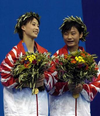 Atenas 2004 - Lao Lishi y Li Ting, ganadoras en saltos de plataforma sincronizados