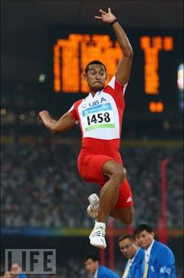 Ibrahim Camejo, bronce en salto de longitud