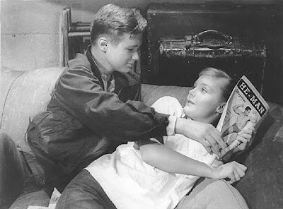 Brandon De Wilde y Carol Lynley en Blue Denim (1959)