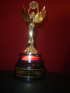 Troféu que a Lindi ganhou