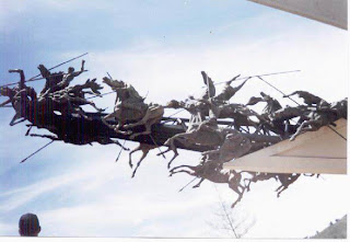 Escultura conmemorativa a la hazaña de la carga de los lanceros en el Pantano de Vargas
