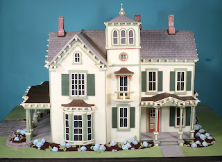 Victorian house cake from Confetti Cakes