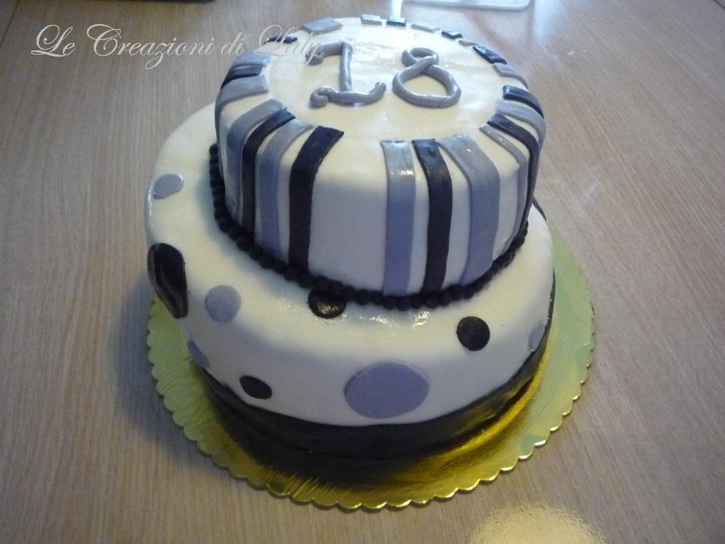 Le creazioni di laly torta a due piani sfalsati for Due piani