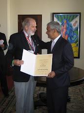 Entrega Diploma de Hijo Distinguido de Santo Domingo