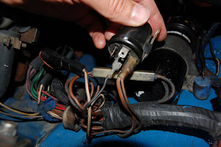 DSC_1342 1977 mgb starter relay the case of the missing wires mgb starter relay wiring diagram at soozxer.org