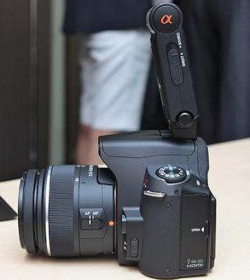 ¿El flash HVL-F20AM es compatible con la A200? en Sony A200/A230/A290setsumei_21l.jpg