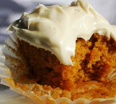 ... Die. For. Recipes : Pumpkin Cupcakes with Spiced Cream Cheese Frosting