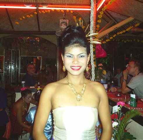 5 Things Thai bar girls Like about Farangs - MangoZeen