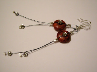 biżuteria z półfabrykatów - kolczyki: koral w kwiatach