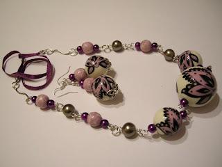 biżuteria z półfabrykatów i decoupage - fiolet z kremem (komplet)