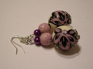 biżuteria z półfabrykatów i decoupage - fiolet z kremem (kolczyki)