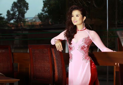 Site Blogspot  Custom Wedding Dresses on Wedding Dresses  Cao Thuy Duong In Ao Dai Fashion Custom Wedding Dress