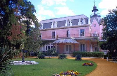 Sevilla tq la casa rosa for Casas de sofas en sevilla