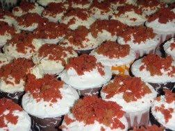 red velvet cup kek