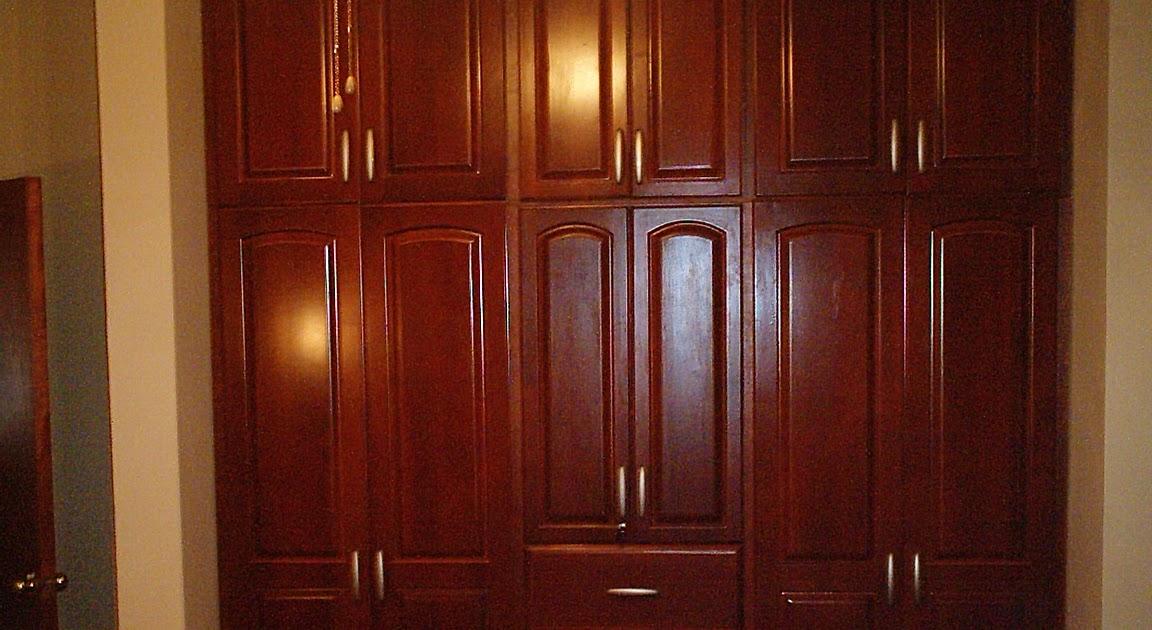 Muebles de madera en general con finos acabados closets for Closets finos madera