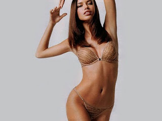 adriana lima nude pictures