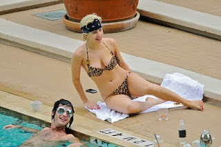 hot lady gaga nude in a pool showing her breast