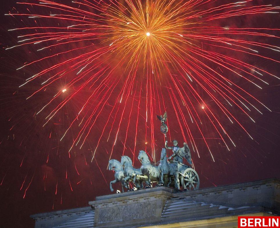 inilah pesta kembang api terbaik dan menakjubkan