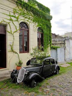 Antique Car in Barrio Historico