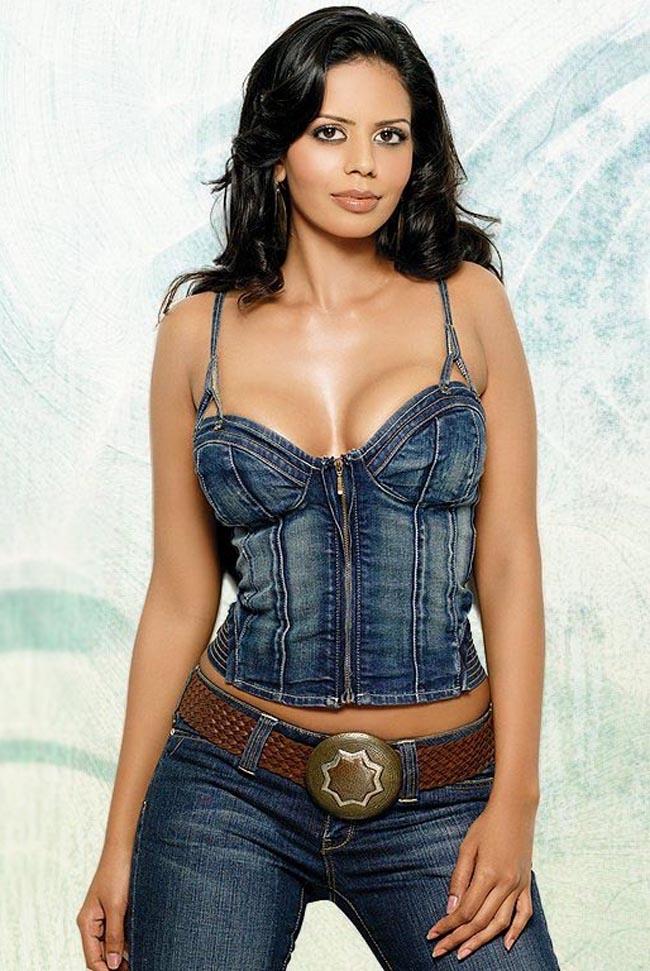 Bhairavi goswami cleavage