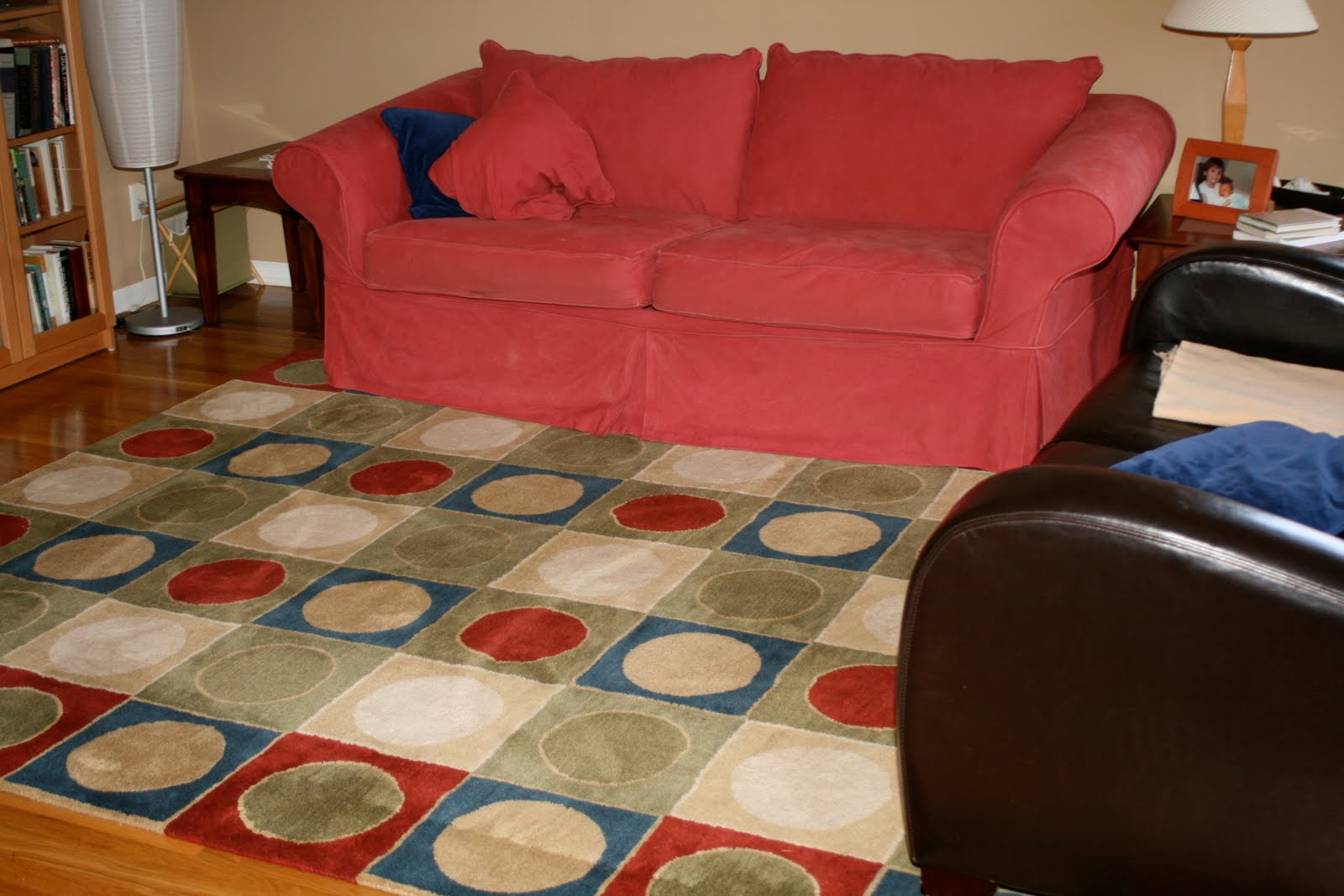 Round Rugs For Under Kitchen Table
