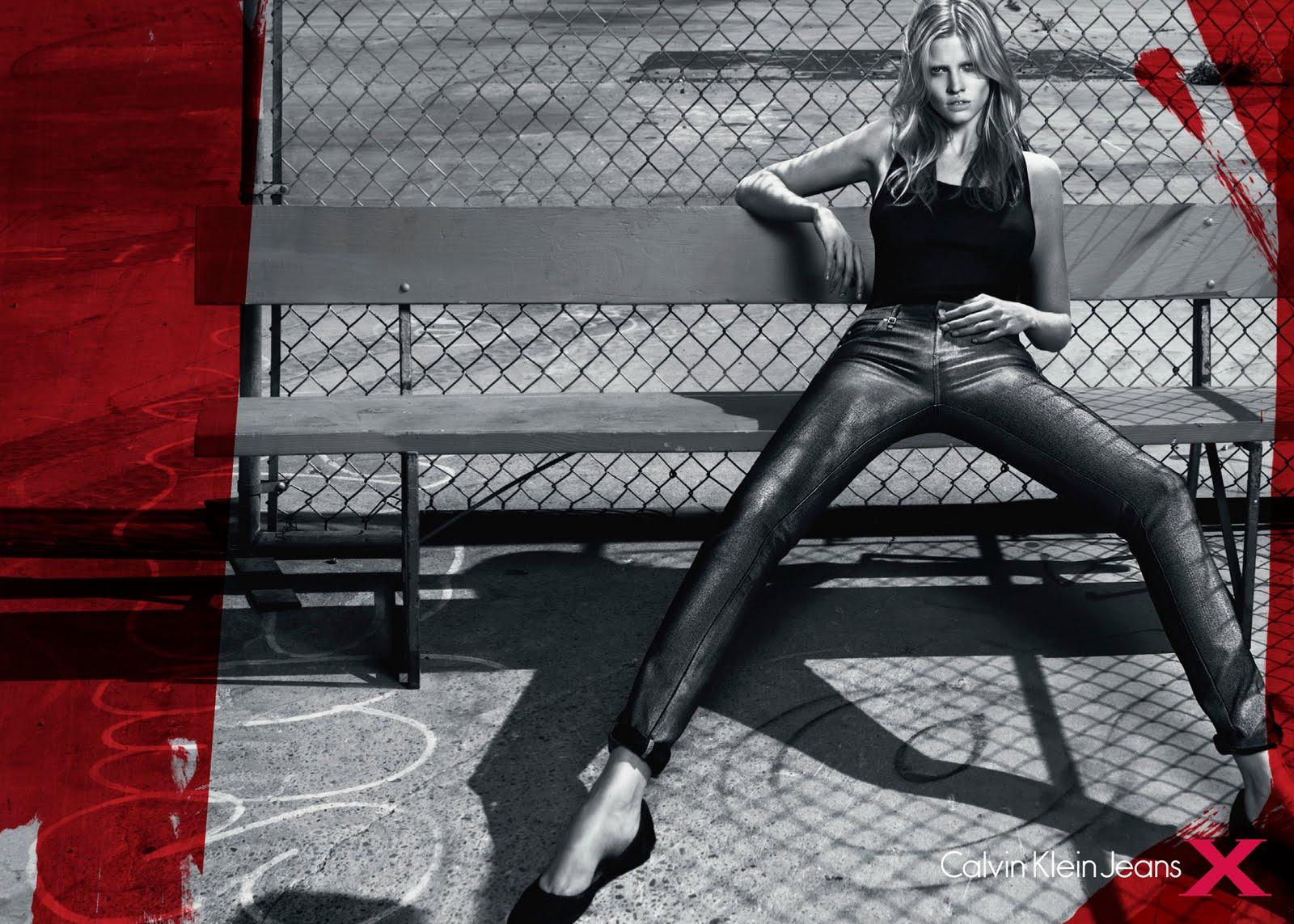 http://2.bp.blogspot.com/_WKwMG_SekHA/TBB9dTDKqII/AAAAAAAAB5U/iI7lzrPM0SY/s1600/calvin-klein-jeans-f10-w_ph_mert-alas%2Bmarcus-piggott-1.jpg