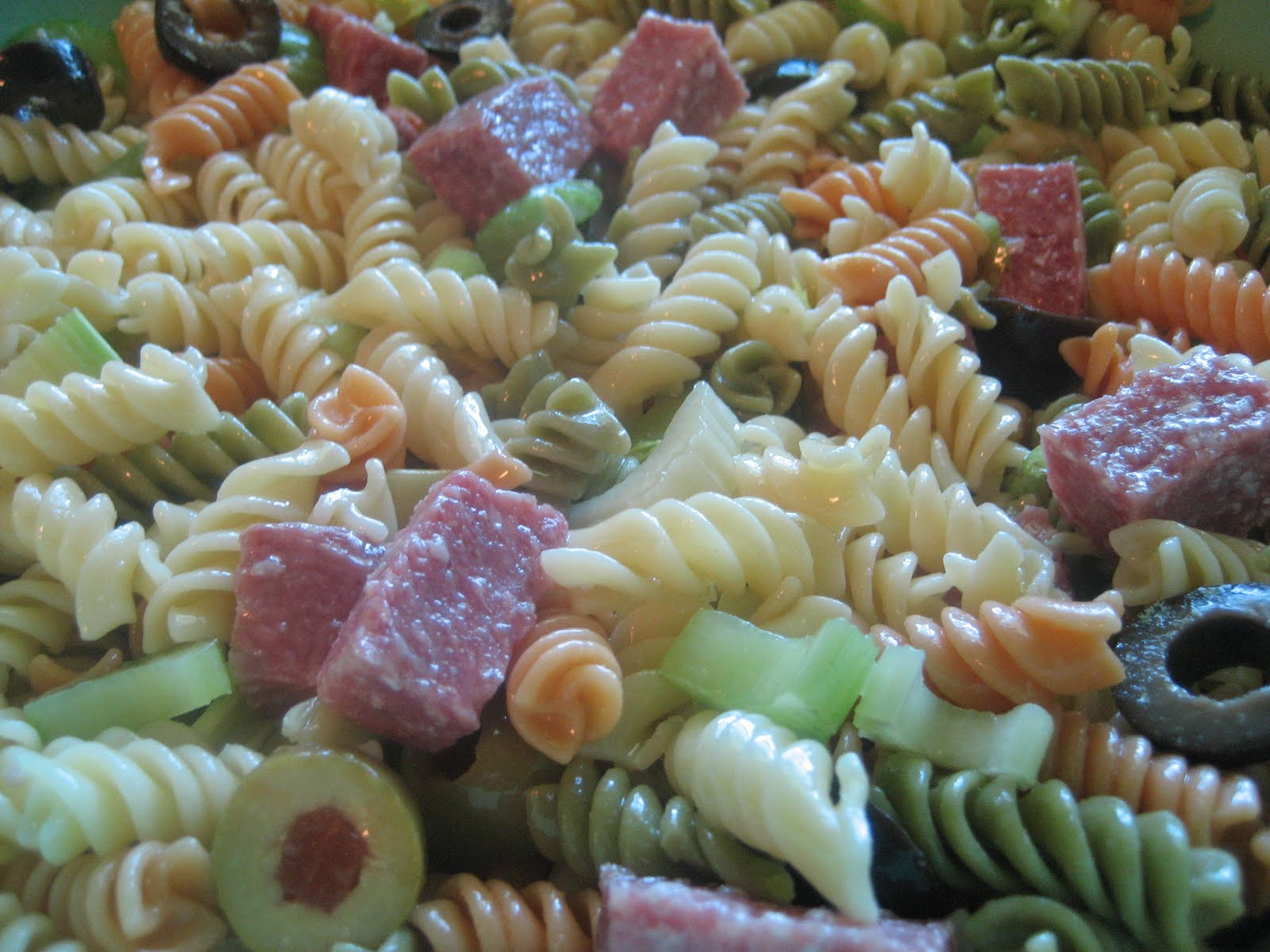 Pie Birds, Buttons and Muddy Puddles: Italian Pasta Salad