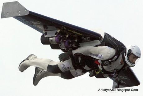 Mesin Jet Agar Si Manusia Super Bisa Terbang