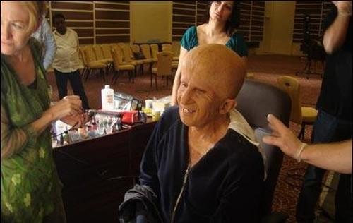 Efek Makeup Selesai Dipasang