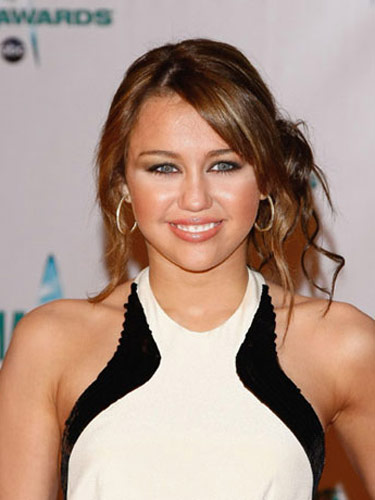 Miley Cyrus Romance Hairstyles Gallery, Long Hairstyle 2013, Hairstyle 2013, New Long Hairstyle 2013, Celebrity Long Romance Hairstyles 2034
