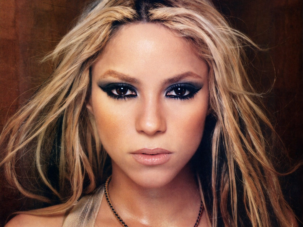 Download this Hot Chick The Day Shakira picture
