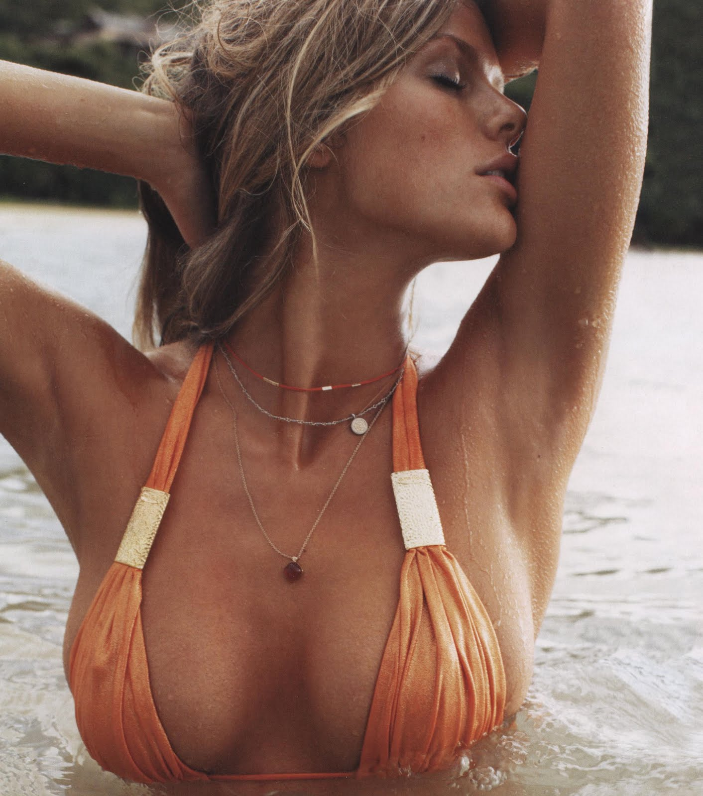 http://2.bp.blogspot.com/_WNrPFGKsaUg/TVC7KdpWiFI/AAAAAAAABgQ/fbKTnOVaVw8/s1600/73341-brooklyn-decker-sports-illustrated-swimsuit-.jpg