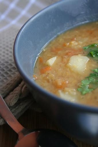 Zupa soczewicowa z ziemniakami i boczkiem