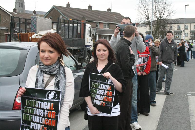 Concentración de apoyo a Gary Donnelly en Derry IMG_9823%2B%28Medium%29