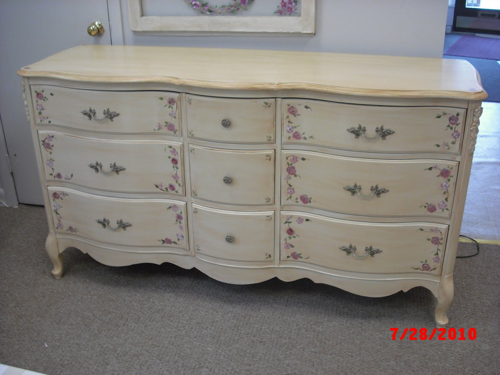 Painted french provincial furniture modern diy art for Furniture in french
