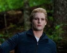 El padre:Carlisle Pattinson.