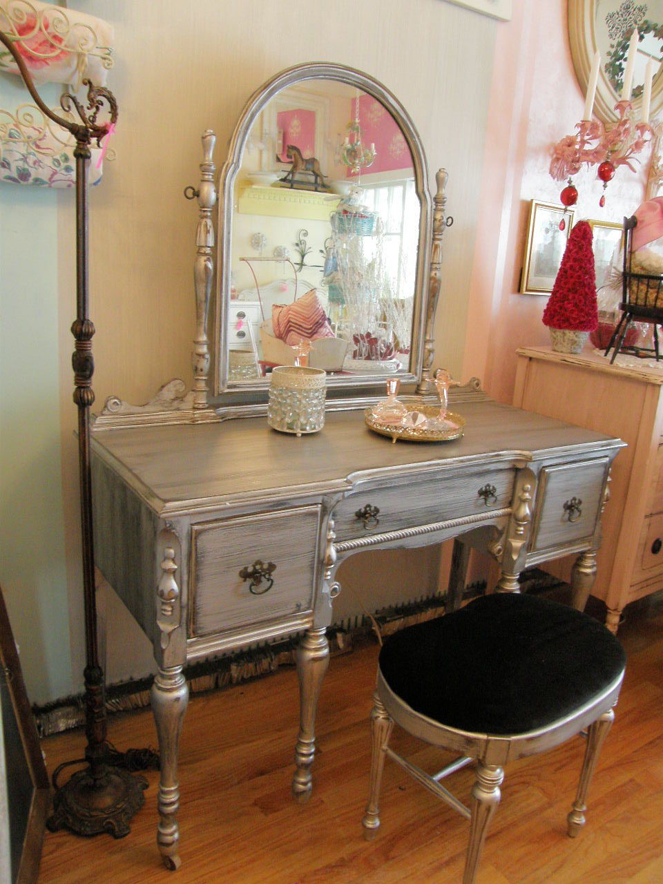 Vintage Chic Furniture Schenectady NY January 2011