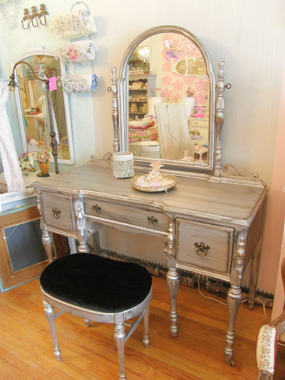 Vintage chic furniture schenectady ny oooh la la silver for Silver vanity table