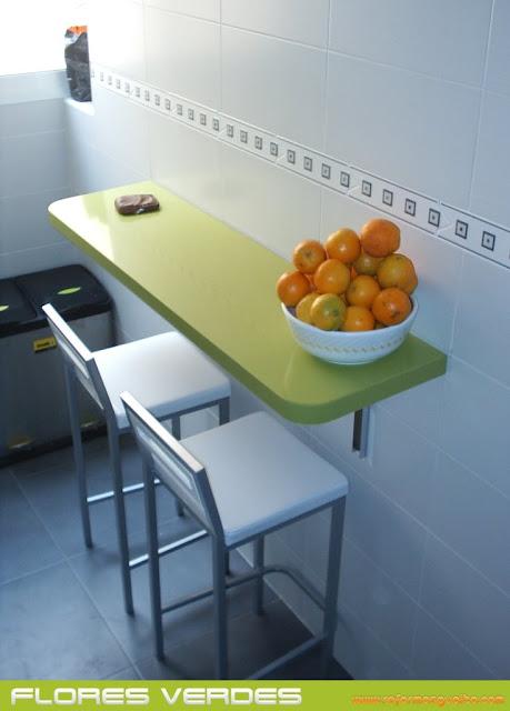 Idea una barra plegable en la cocina reformas guaita - Taburetes barra cocina ...