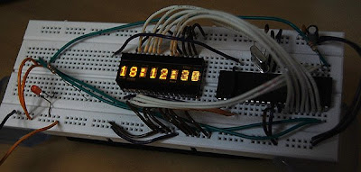 Cool Clock with HDSP-2111 Display