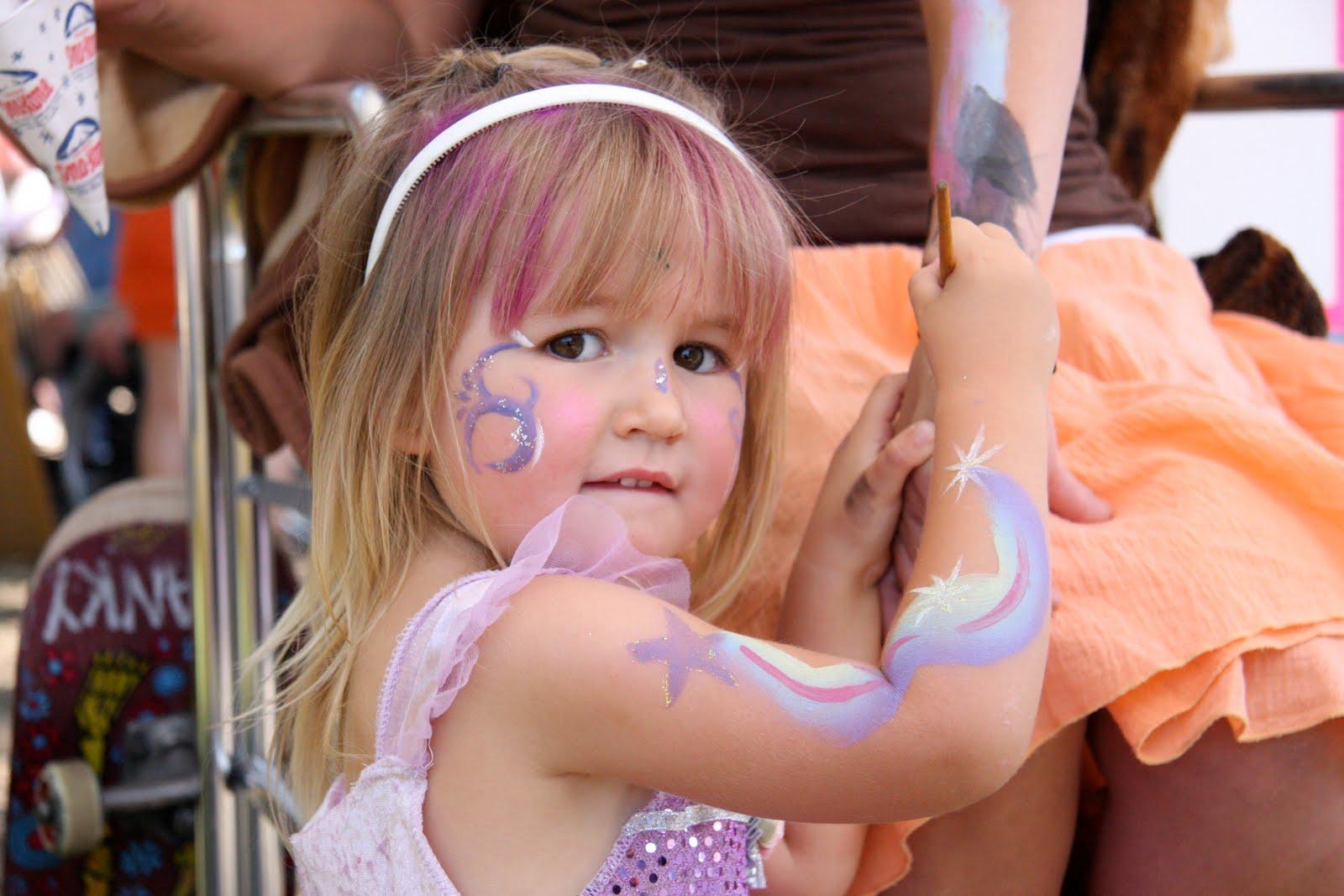 Hosting the Ojai Valley Lavender Festival 6/26/10, little girl
