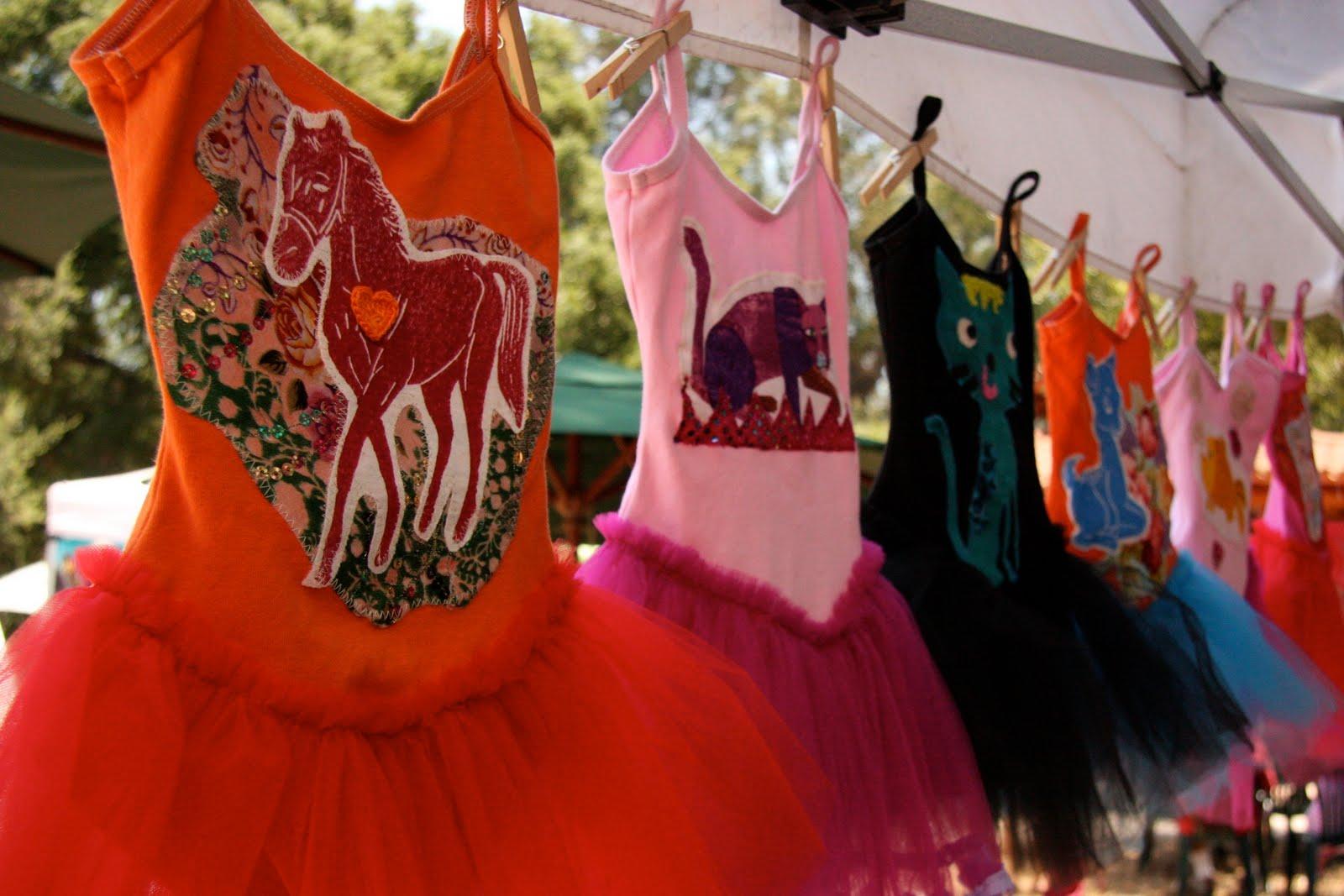 Hosting the Ojai Valley Lavender Festival 6/26/10, cute dress