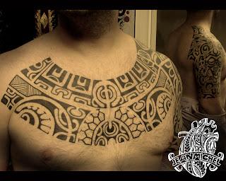 Tatouage polynésien Découvrez les plus beaux modèles  - tatouage collier polynesien