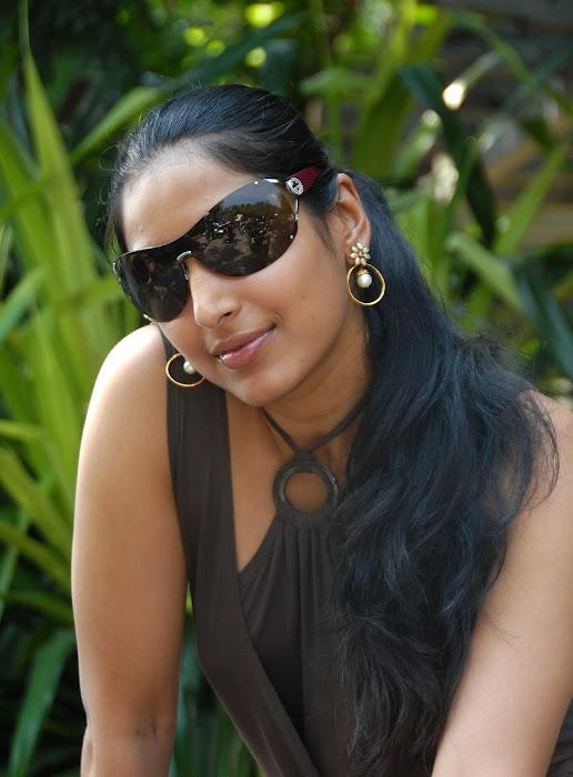 padma priya shoot hot images