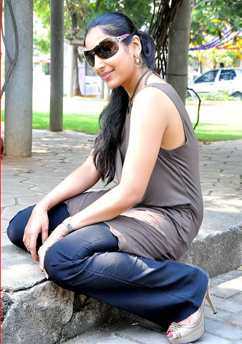 padma priya shoot unseen pics