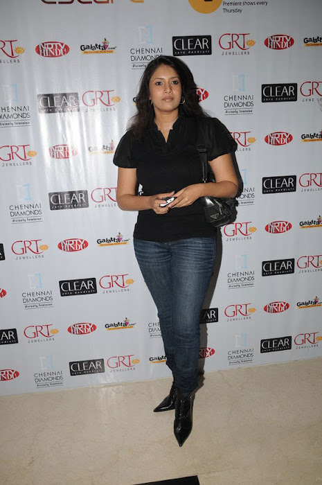 sangavi in black tshirt at blind date premiere actress pics