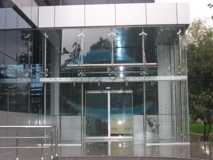 Transparan Spider Cam Cephe Sistemleri