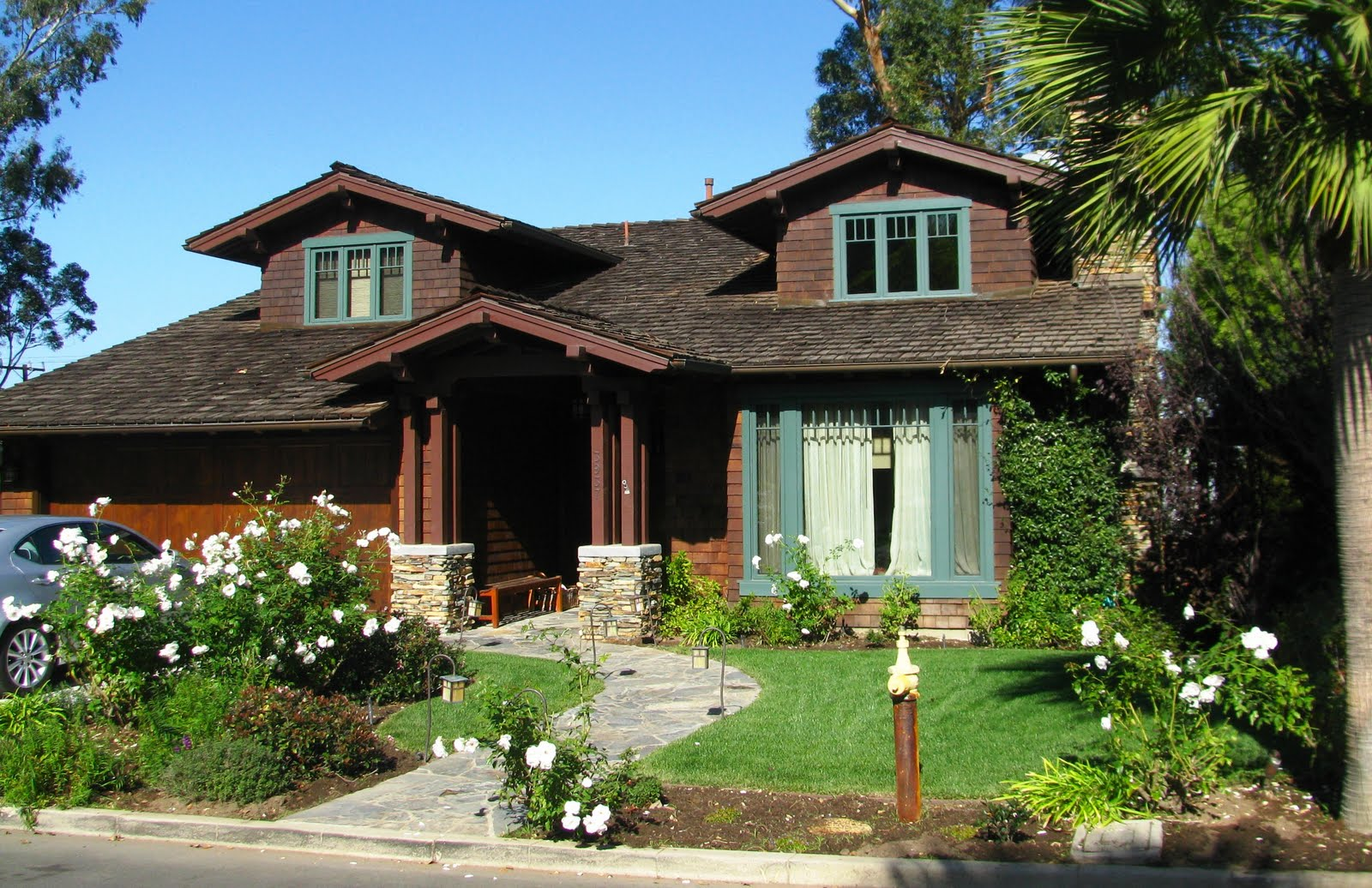 Challenged The Local Bloggers To Find The Best Craftsman Style House