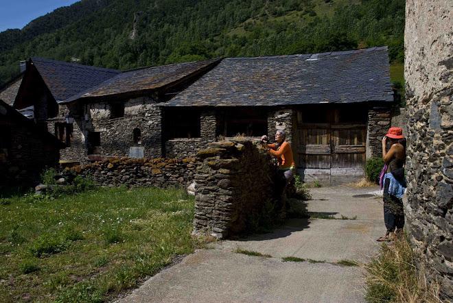 Fotografiant el poble d´Areu