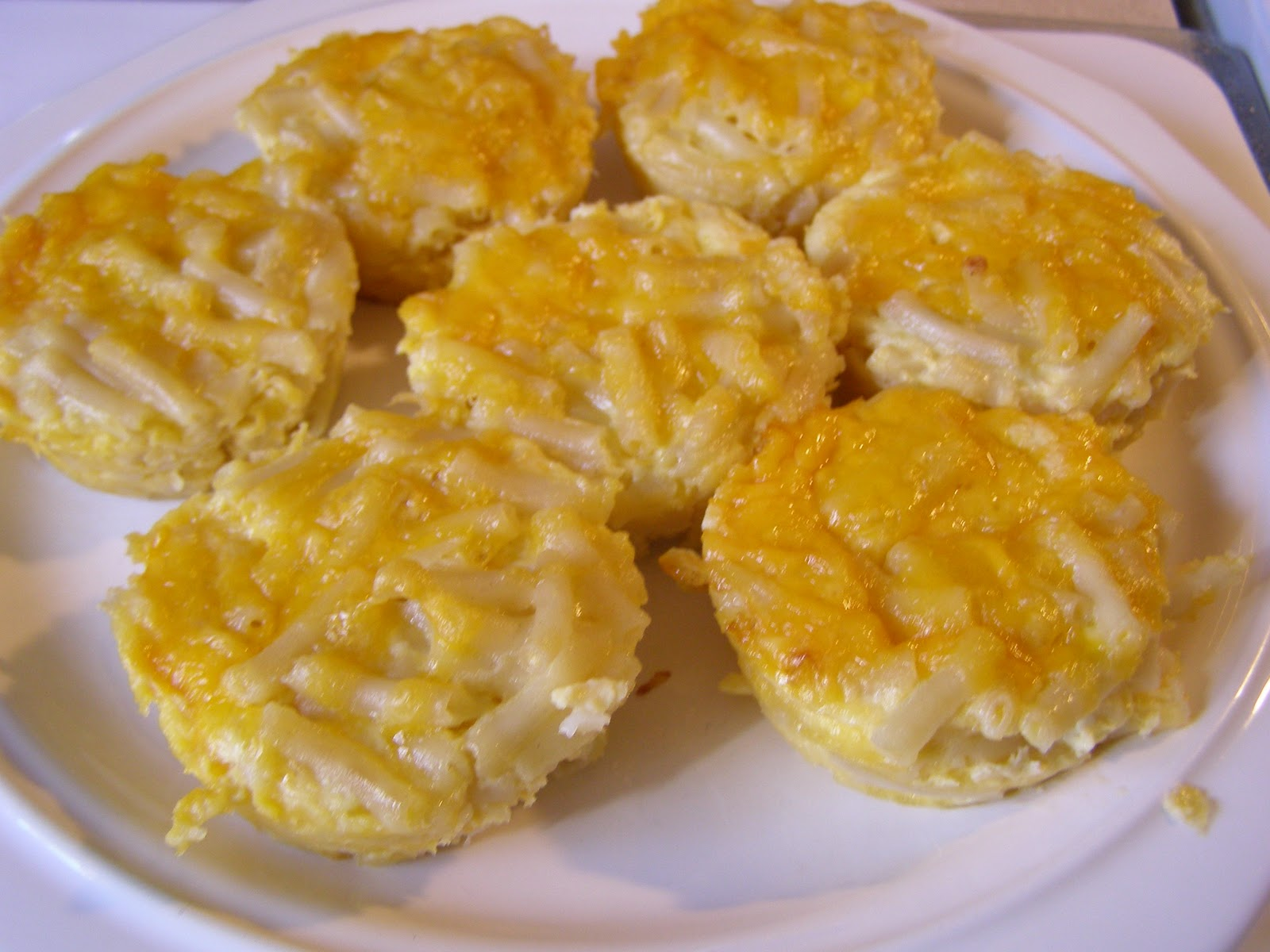 The Rickett Chronicles: Recipe Review: Macaroni and Cheese Cupcakes